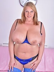 Carol Brown sucking her udders and nipples then showing pink