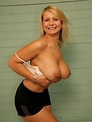 British amateur MILF with fucking great tits