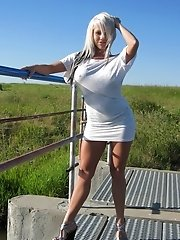 Monroe Lee outdoors in a hot white outfit!